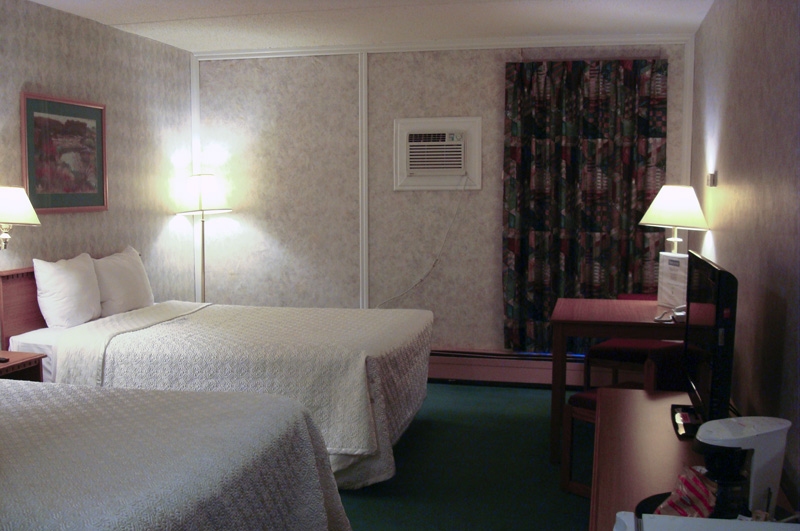 Double Size Beds - Bluebird Hotel in Melfort